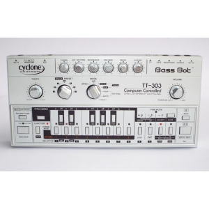 Cyclone Analogic Bass Bot TT303